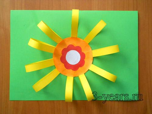 поделка цветок из бумажных полосок