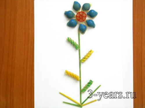 цветочек из макарон